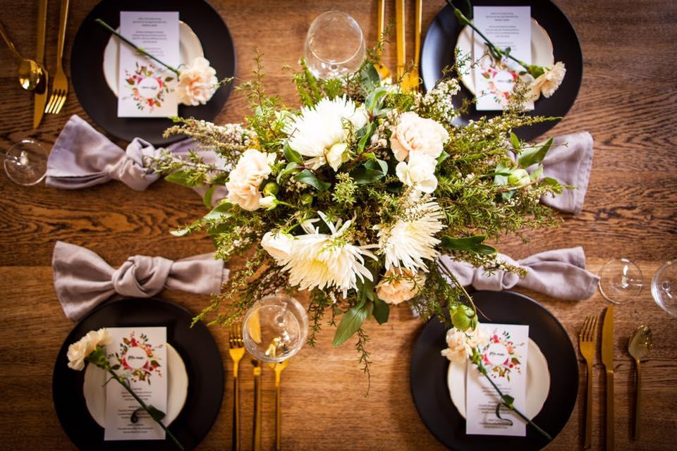 One Poppy Wedding FLowers Table Arrangement.jpg