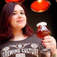erica-barbosa-sommelier-de-cerveja-fundadora-do-marketing-cervejeiro.png