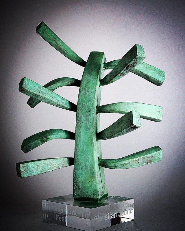 "TOMISLAV PINTER AWARD - Sculpture ""Joy of Light"" dedignrd by Jasna Bogdanovich. Award given to: #KarlBaumgartner #mattdillon #Luisminarro #allanstarski #shigeruumebayashi #veljkobulajic #mikimanojlovic #ChristianJeune Award created by Alenka Pinter and @sergejstanojkovski @lenobru7 @festivaldecannes @eddiesaeta @unifrance @afpphoto @george.christodoulopoulos"