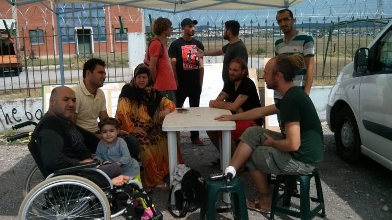 Frustratie groot in Noord-Griekse vluchtelingenkampen - NOS - 12/09/2016