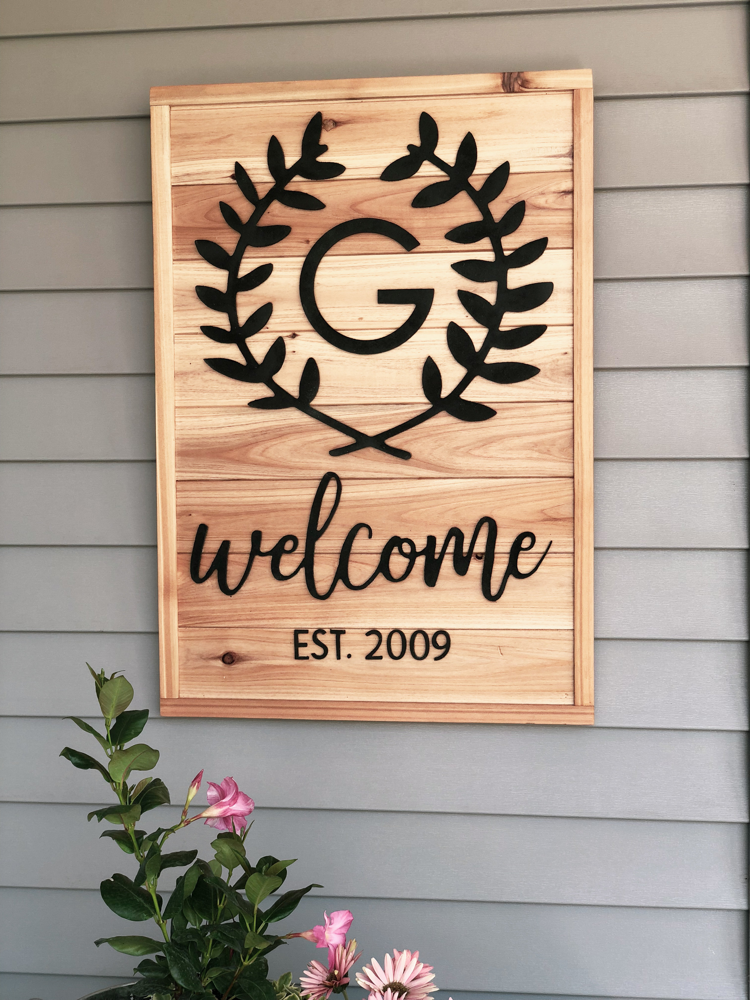 I'm totally in love with this welcome sign! We added this design to our Etsy shop, so if you are looking to add some interest to your porch walls I highly recommend this sign!
