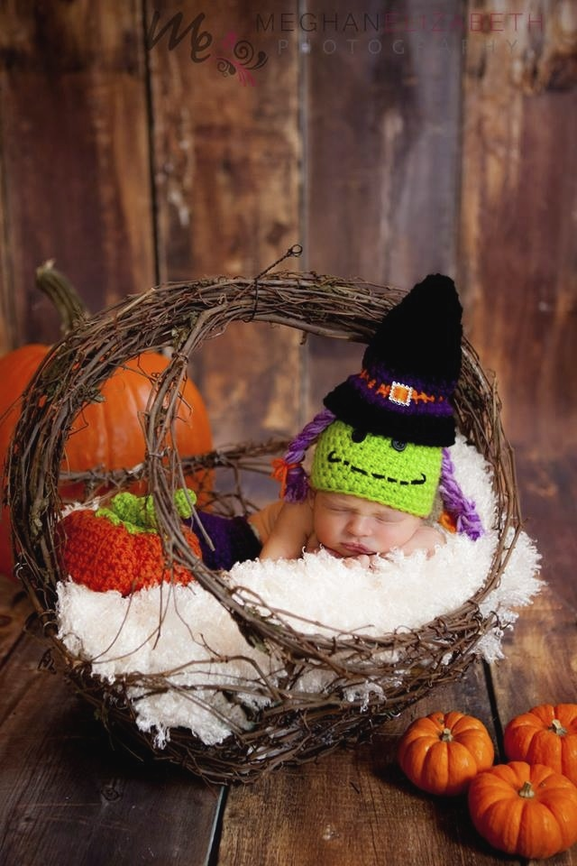 My daughter Peyton's first Halloween. Adorable photo by  Meghan Elizabeth Photography.  If you're looking for newborn photography in the Twin Cities, you should seriously check her out!