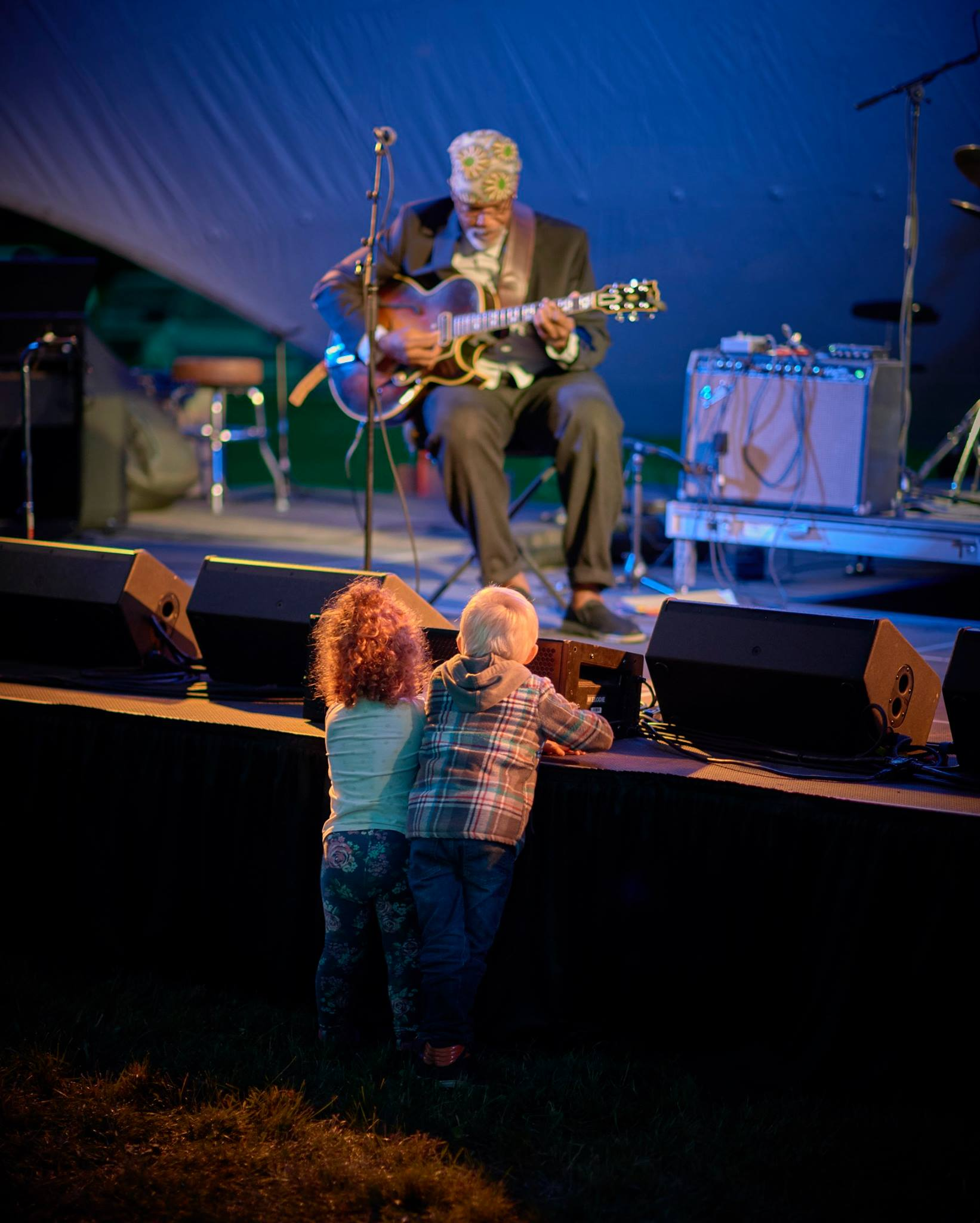 Ed Cherry and kids photo from Kev Fitzgerald.jpg