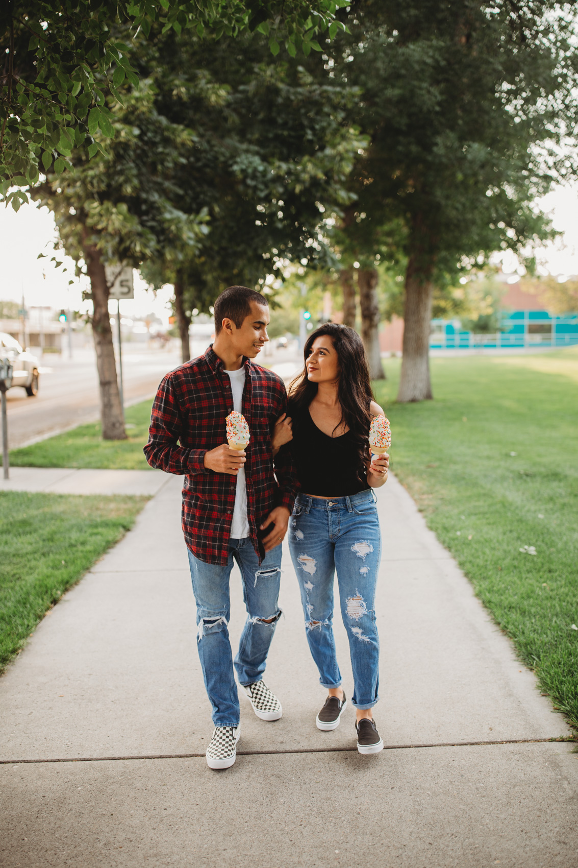 downtown-great-falls-montana-couples-session-1.jpg