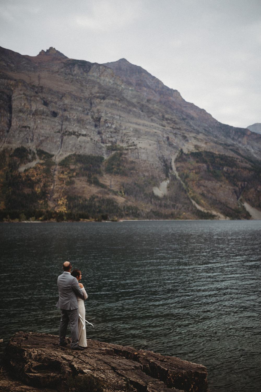 GlacierNationalPark_Elopement_CheyanneMatt-76.jpg