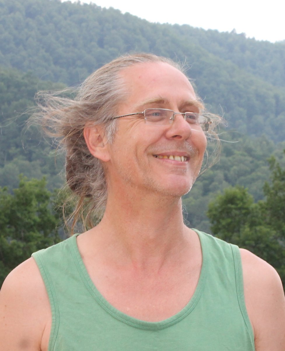 - PREM FOX is an acupuncturist, bodyworker, and Chi Nei Tsang therapist. He trained with Satyarthi Peloquin in Myofascial energetic release and has been given permission to teach Initiation workshops in his method. He also trained in different approaches to fascia therapy with Gruppo Stecco in Italy, Serge Paoletti, Eric Hebgen in France and Germany. He has workshops and given sessions in France, Germany, the UK and India and currently offers sessions in Toulouse and Montbrun-Bocage.Prem Fox est fasciatherapeute, acupuncteur et thérapeute en Chi Nei Tsang et Ostéopathie Viscérale. Il s'est formé avec Satyarthi Peloquin en M.E.R. (liberation energetique des fascias) et a reçu l'accord d'enseigner les bases de cette méthode. Il est aussi formé avec des approches différents de fasciathérapie avec Gruppo Stecco en Italie, Serge Paoletti, Eric Hebgen en France et Allemagne.Il a consulté et enseigné en France, Allemagne, Grand Bretagne et Inde.Actuellement il consulte sur Toulouse (31) et Montbrun-Bocage (31310).Site web. www.fasciatherapie.netTéléphone 07 85 24 95 33