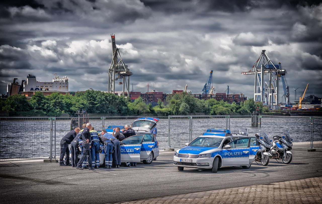 police-2485031_1280.jpg