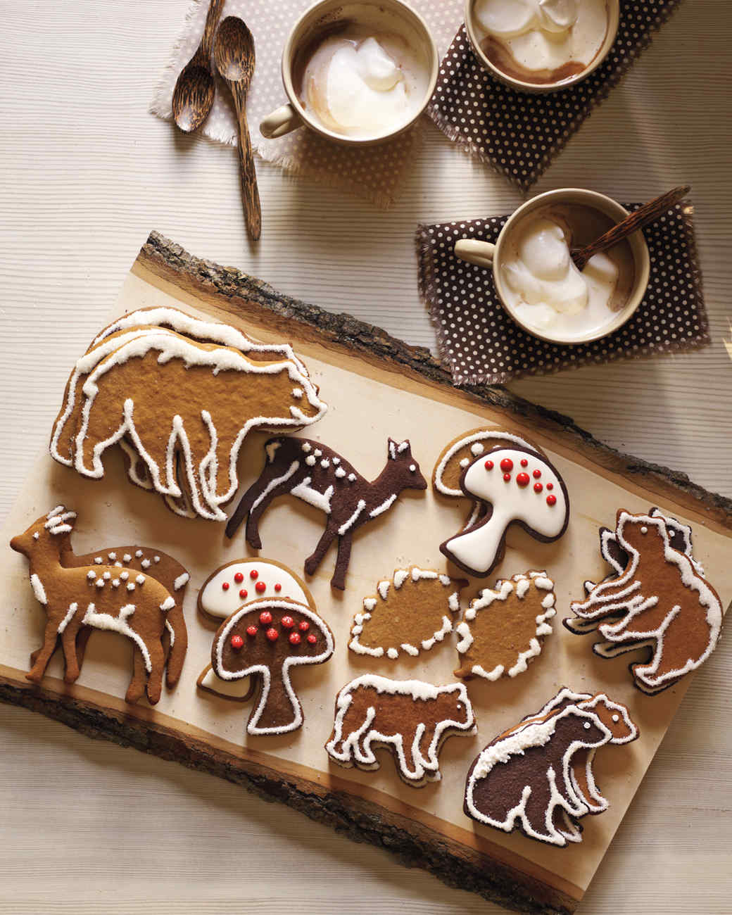 Christmas Cookies - Hands-down Martha Stewart has the best collection of Christmas cookies. Simple recipes make the most beautiful cookies.click here to see for yourself