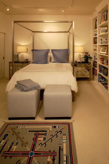 lois bedroom.jpg