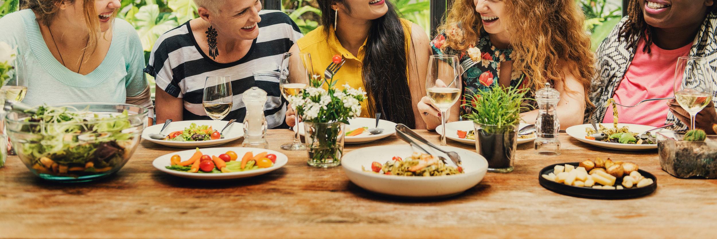 women-communication-dinner-together-concept-PPC49AL.jpeg