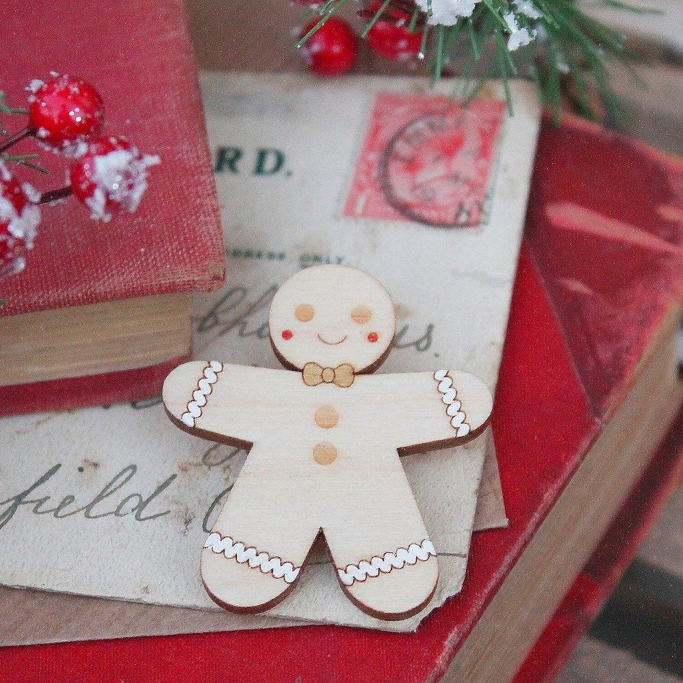 Gingerbread Brooch