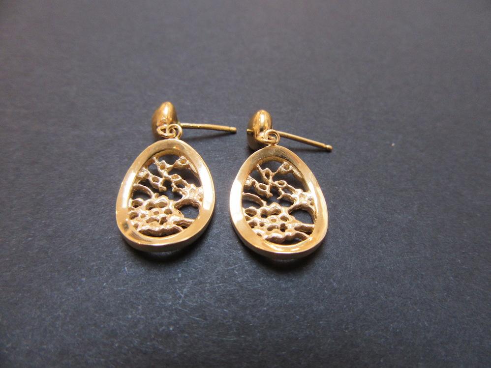 Gold Lace Oval Earrings