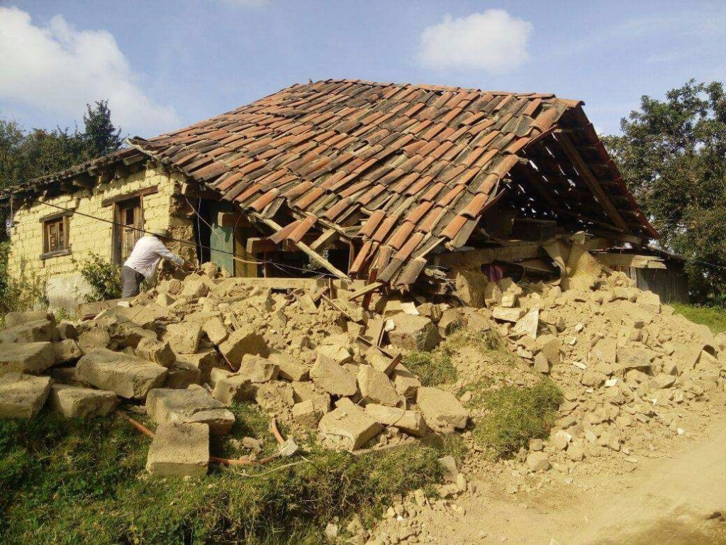 Chiapas, Mexico - A home completely destroyed during the earthquake. Credit: La Jornada Maya