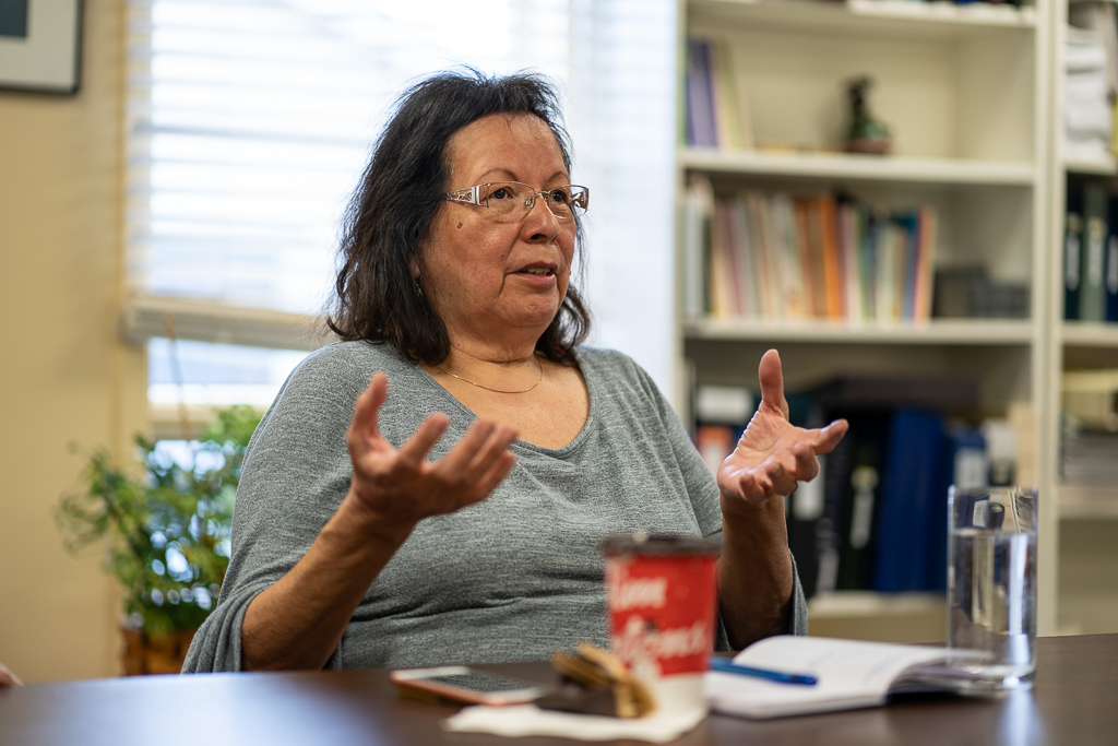 Marsha Smoke, with the Dibaajimowin Cultural Centre, helped organize the meeting between Indigenous peoples living in Canada and Guatemala. She and her colleagues shared their knowledge about cultural practices, and despite differing contexts, the participants noted the similarities between the worldviews of Indigenous peoples in the North and South.