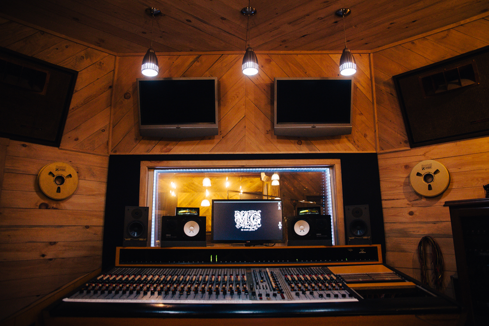 Tracking Room Front