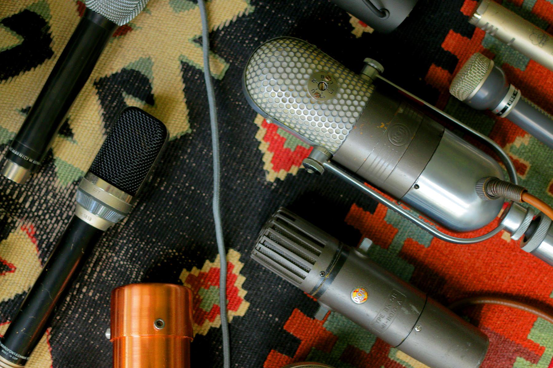 mic closeup2.jpg