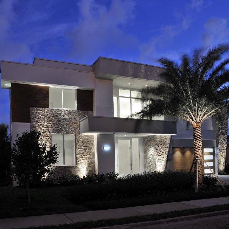 florida_architecture_citrus_isles_million_dollar_waterfront_home_modern_architecture.jpg