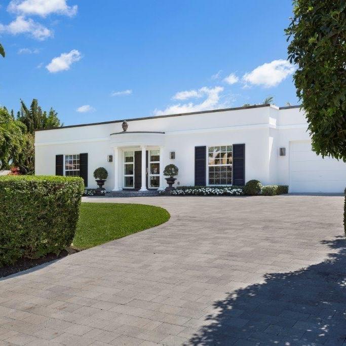 regency_architecture_florida_architect_white_house_elegant.jpg