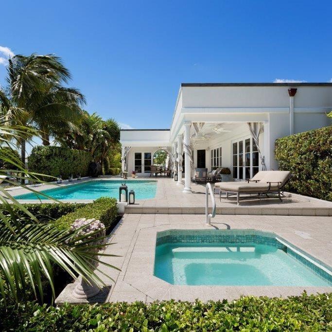 luxury_backyard_pool_spa_white_house.jpg