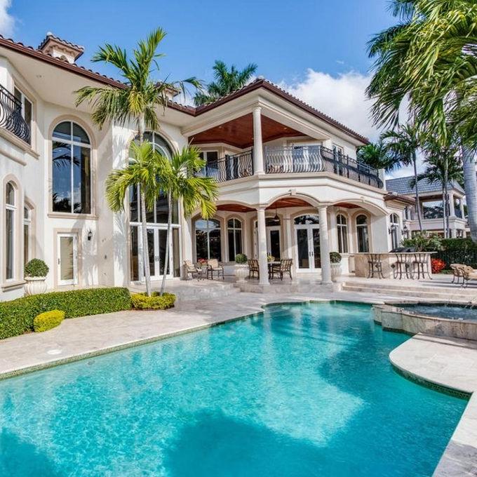 florida-backyard-luxury-pool.jpg