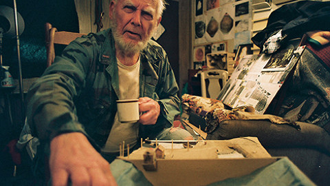 The Dragons Of Jim Green - In rural South Carolina, WWII Marine veteran Jim Green has created a ramshackle museum around what he claims are artifacts from a 34 million year old civilization of reptilian humanoids.