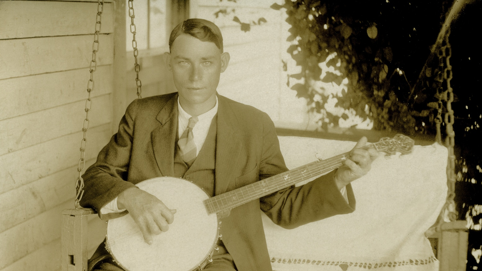 The Banjo Project: A Digital Museum For America's Instrument - Built on a searchable archive of over 300 hours of original media, archival footage, stills and recordings, The Banjo Project is an online cultural resource center devoted to the instrument's colorful and complicated history, combining interactive documentary, up-to-date research and curated content.