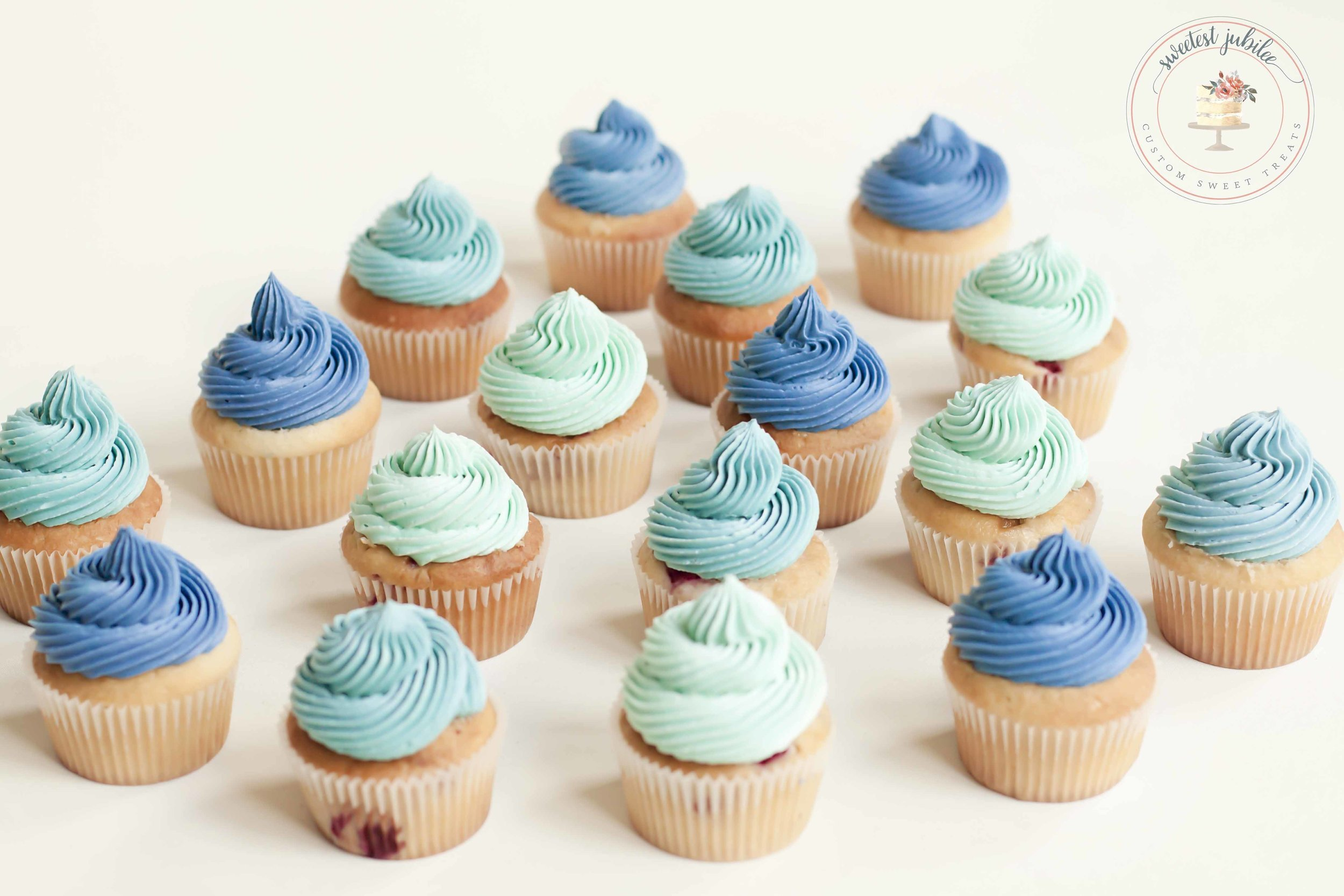 Casey cupcakes.jpg