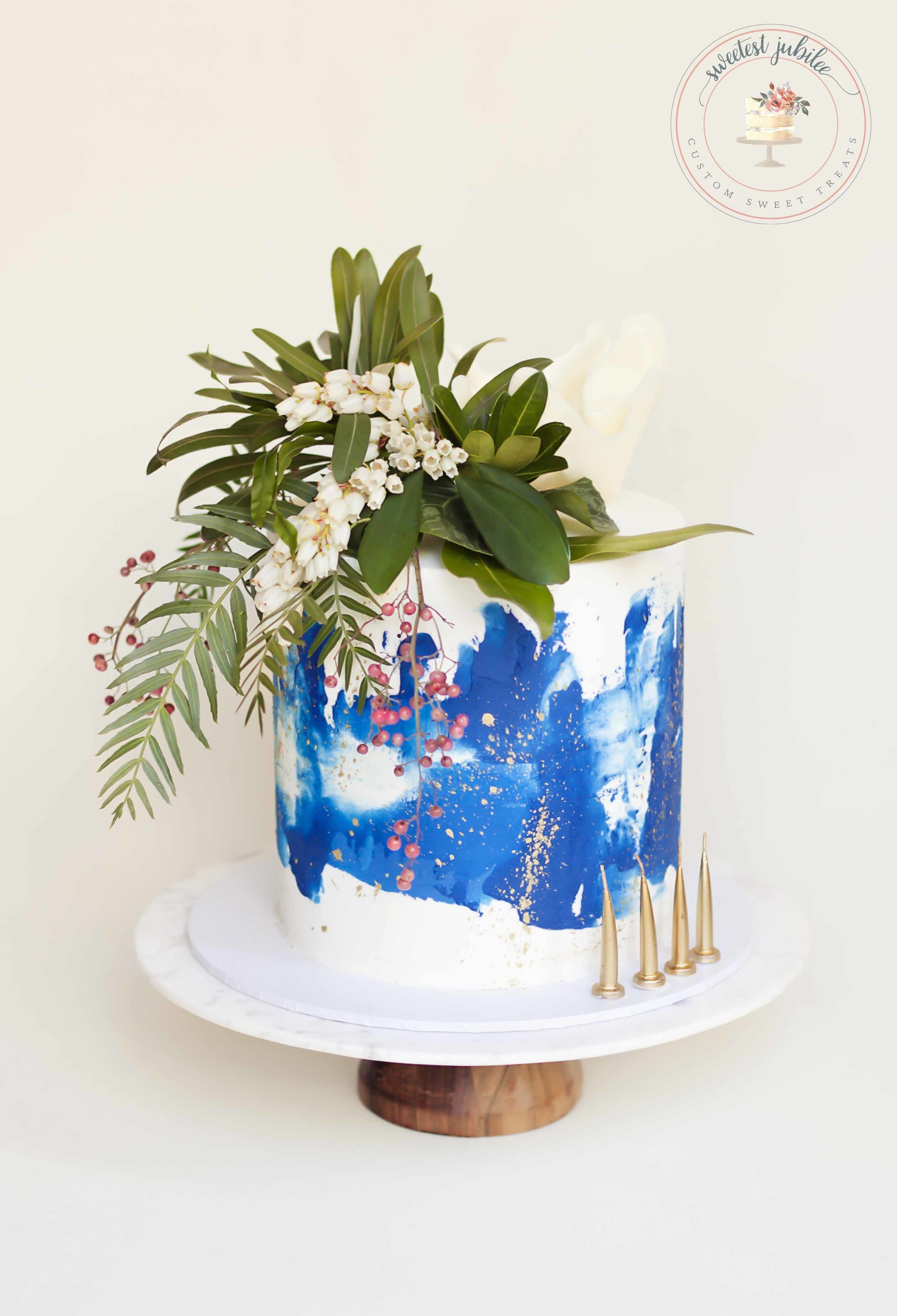 Caroline 40th cake.jpg