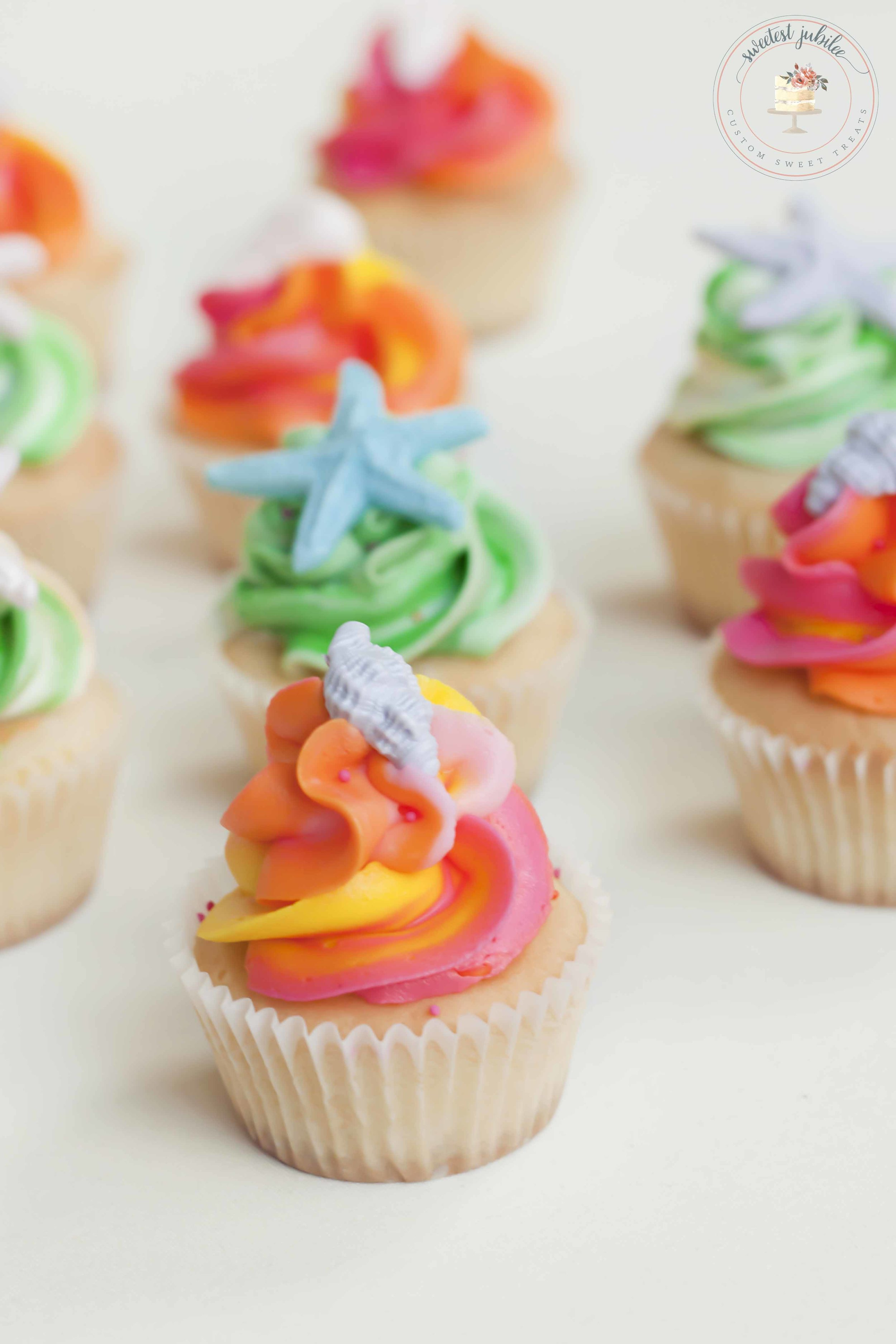 Sunset beach cupcakes.jpg