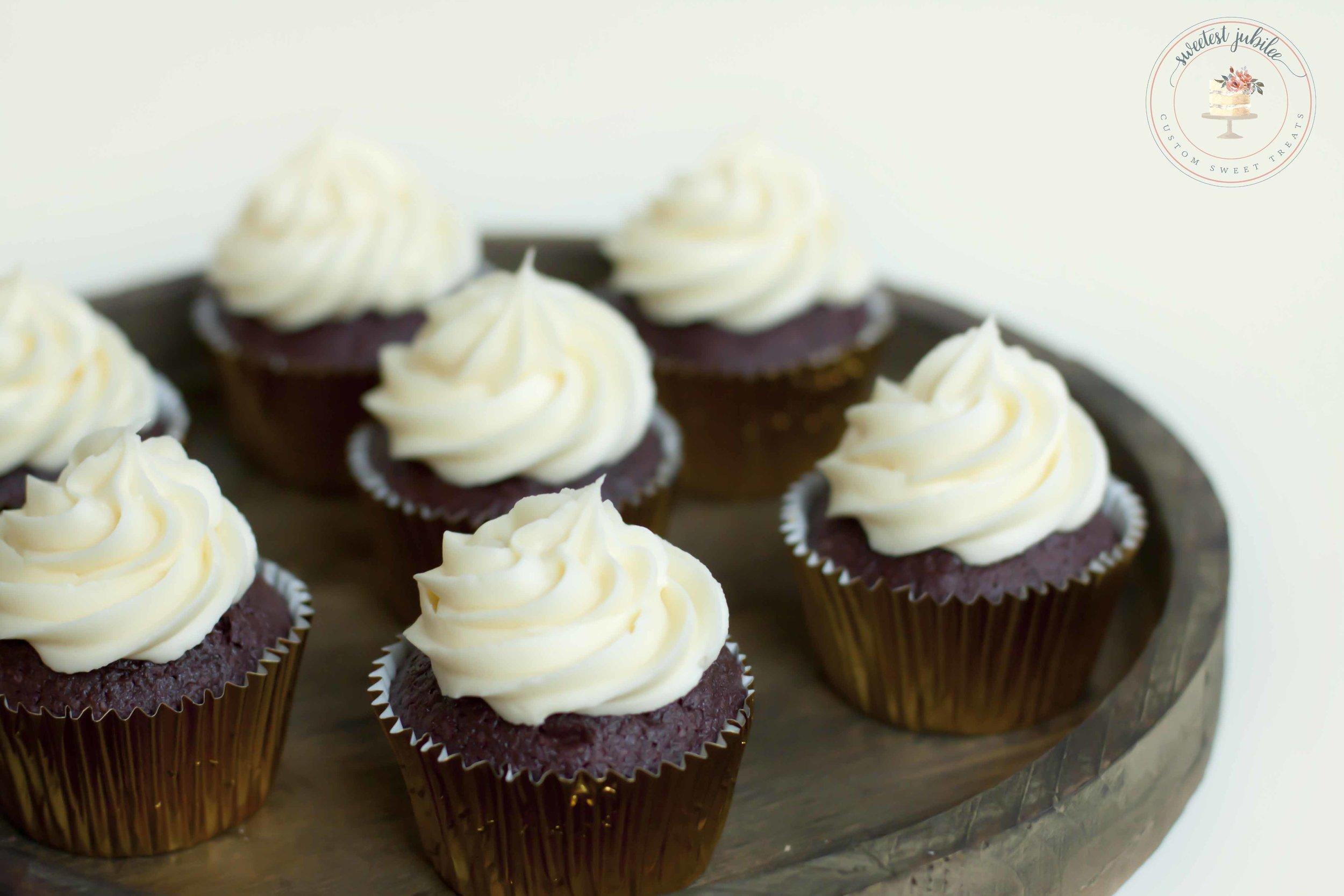 Belinda - cupcakes2.jpg