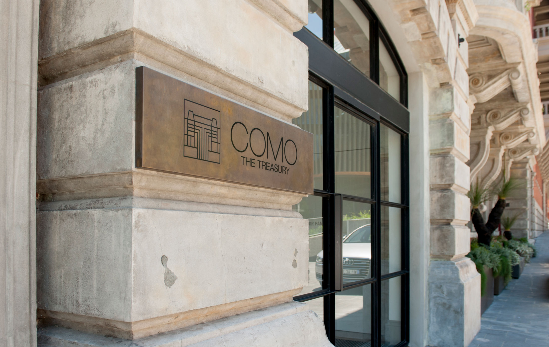 COMO The Treasury – Signage