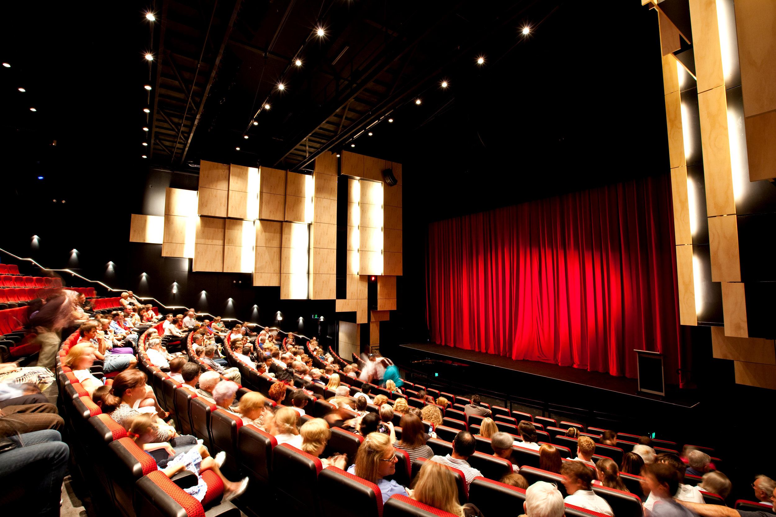 Dubbo_Regional_Theatre_tiered_seating (1).jpg