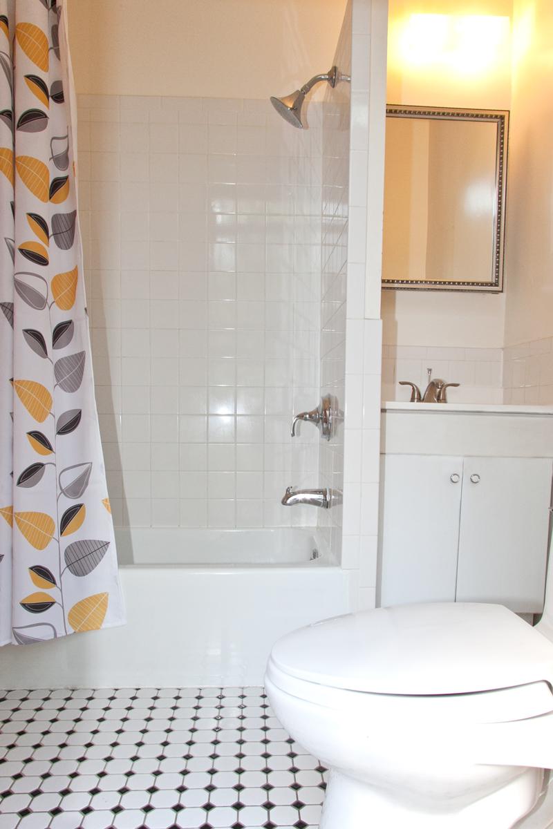 Studio Bathroom 2.jpg
