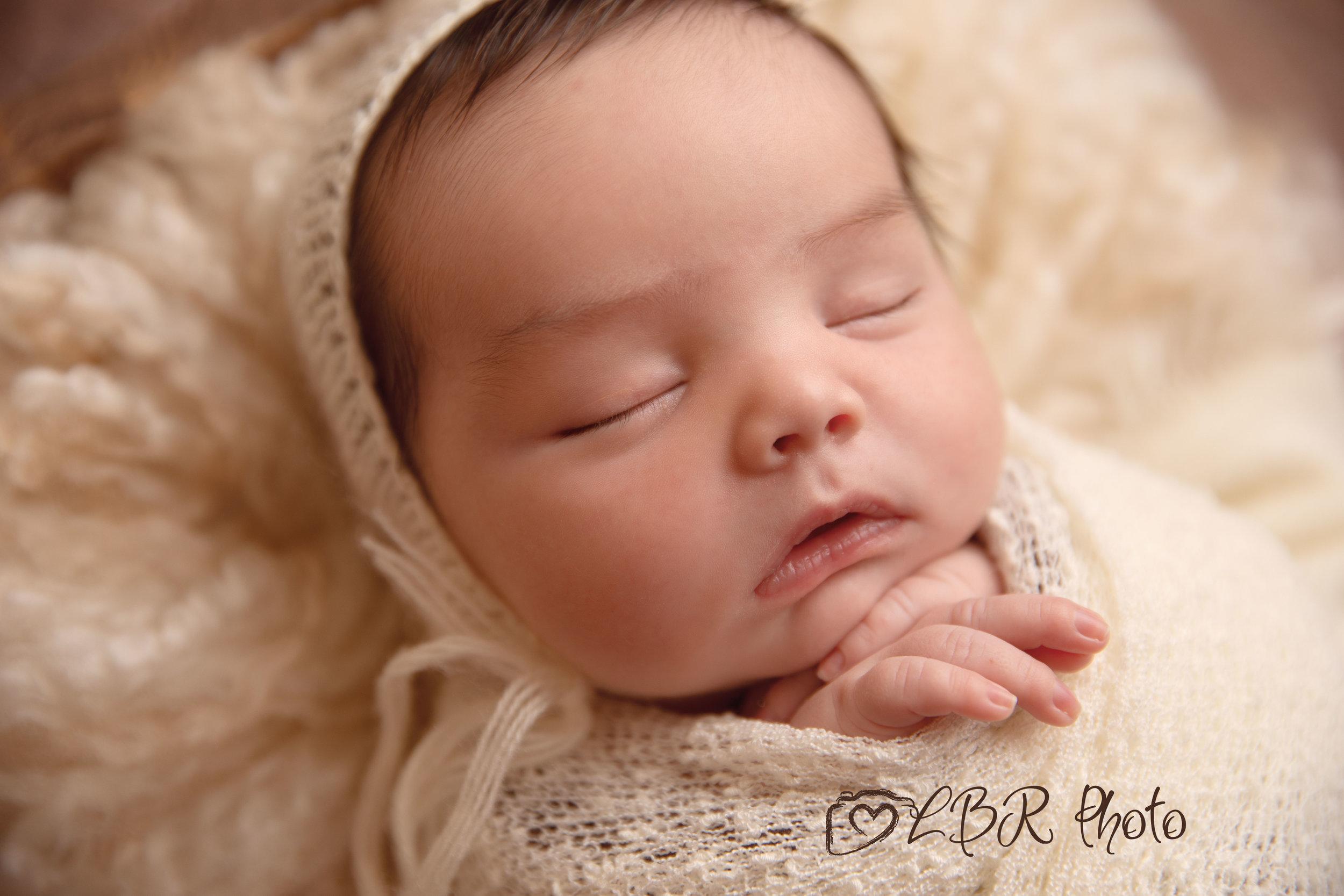 Phoenix-newborn-photographer-Ahwatukeev2.jpg