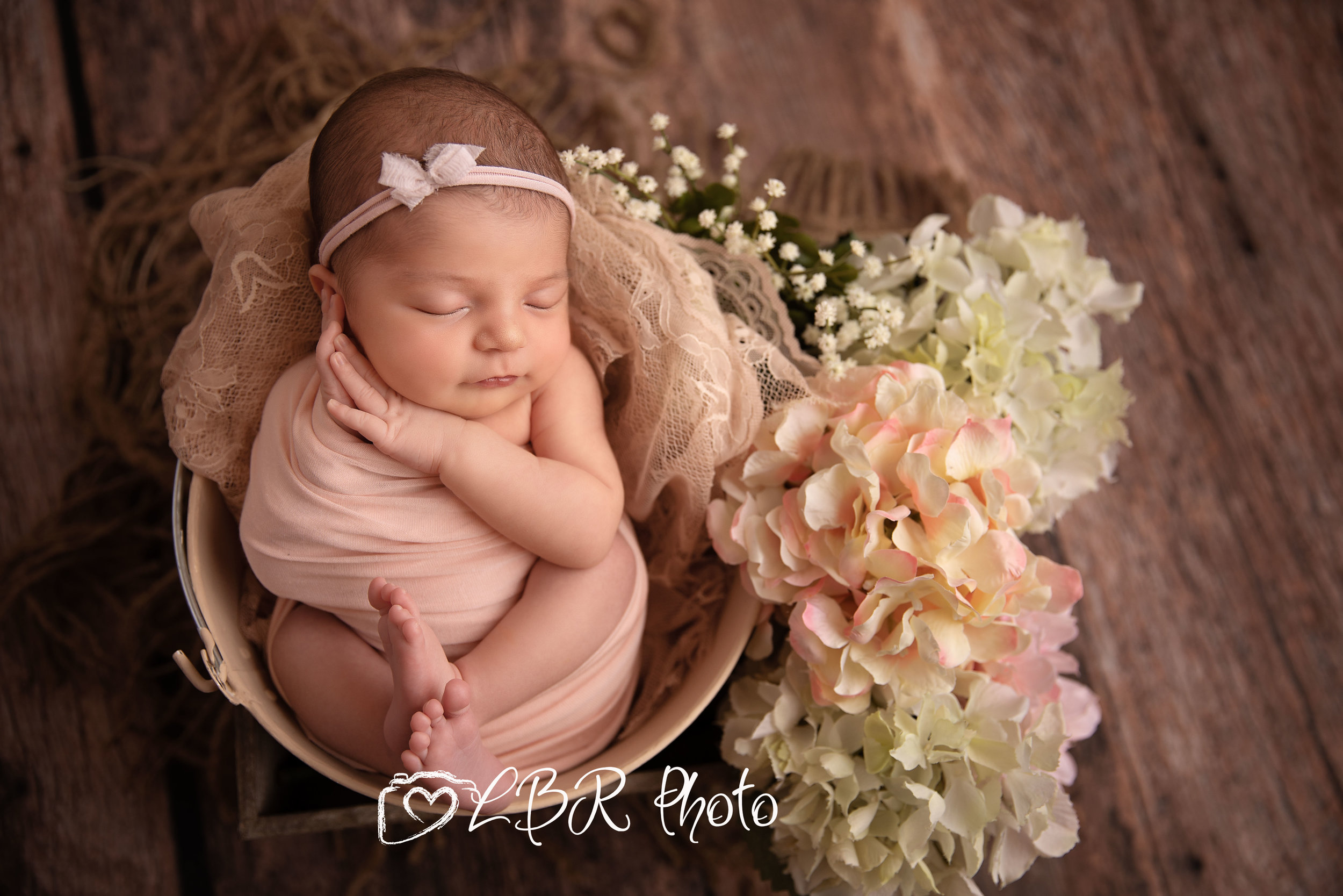Phoenix-newborn-photographerv2.jpg