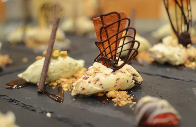 Ice+cream+with+chocolate+work.jpg