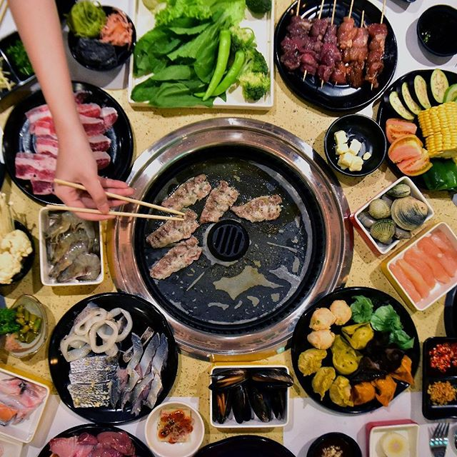 This jolly season, treat yourself to an unlimited grill and hotpot sesh at the newest food spot in town!  For reservations, contact us at (02) 845 4647  #TongYangPlus #GrillAndHotpotAllYouCan