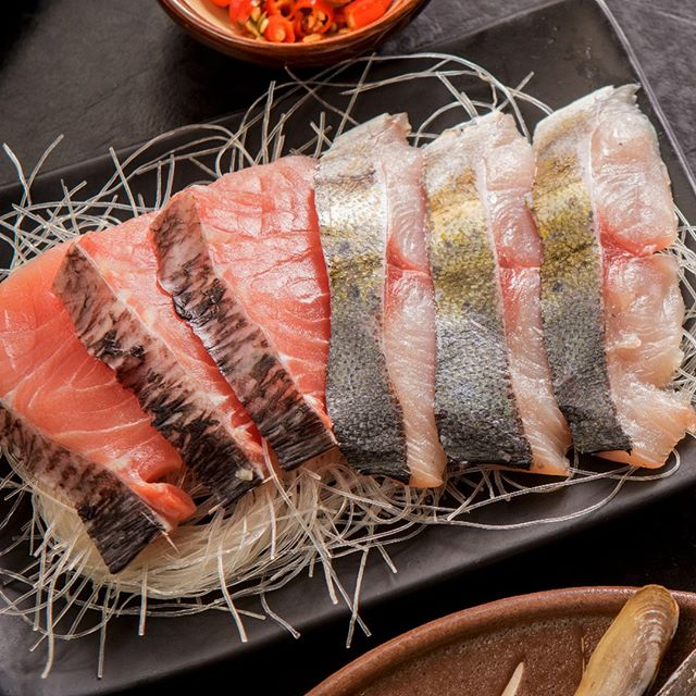 Tag a friend who's obsessed with Salmon!  #GrillAndHotpotAllYouCan #TongYangPlus