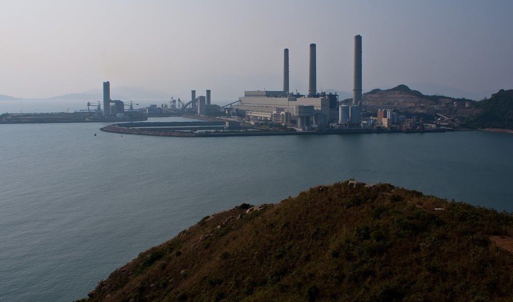 由烧炭和其他工业活动制造的大气中的汞在鱼类中积累,但是在中国以及亚洲其他煤炭使用量在增长的国家,研究人员并没有做过足量针对于稻米的研究。 Credit: Maxim Melnikov