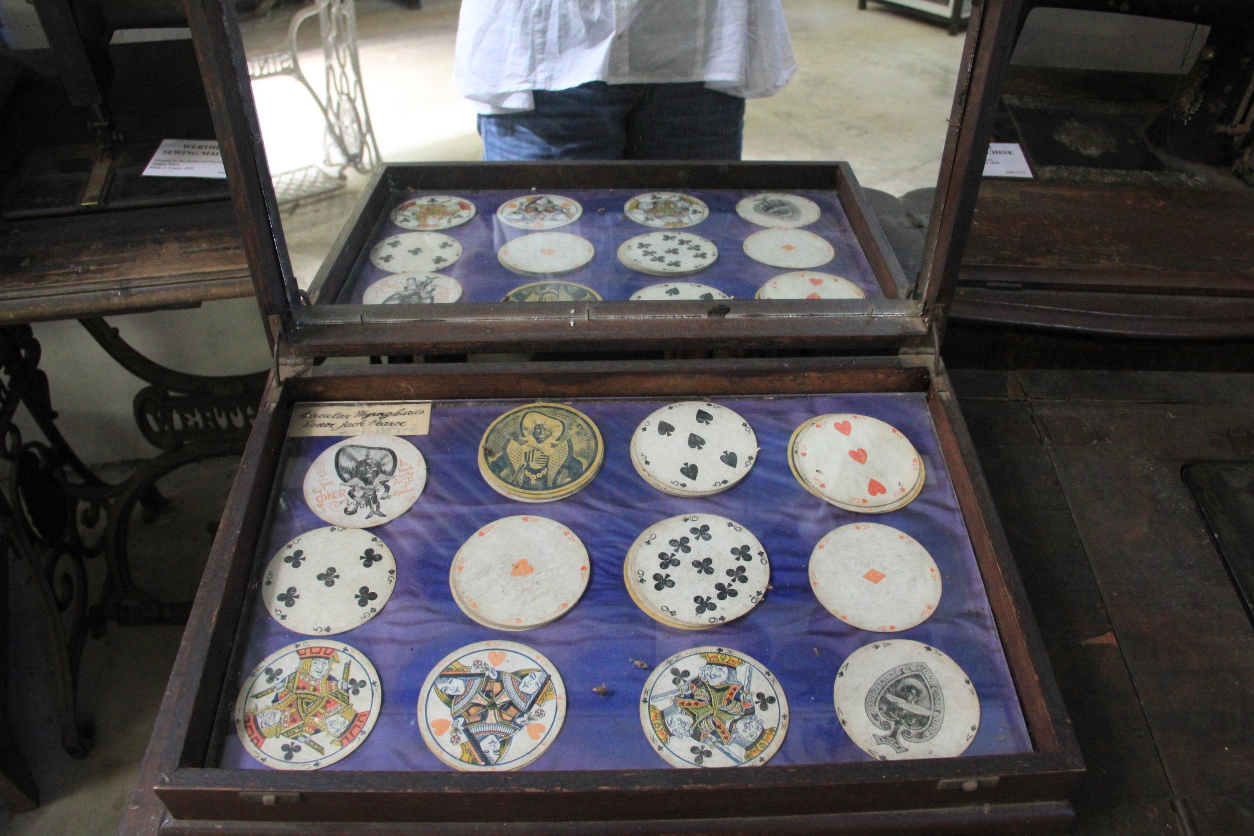 19世纪杂技演员使用的扑克牌