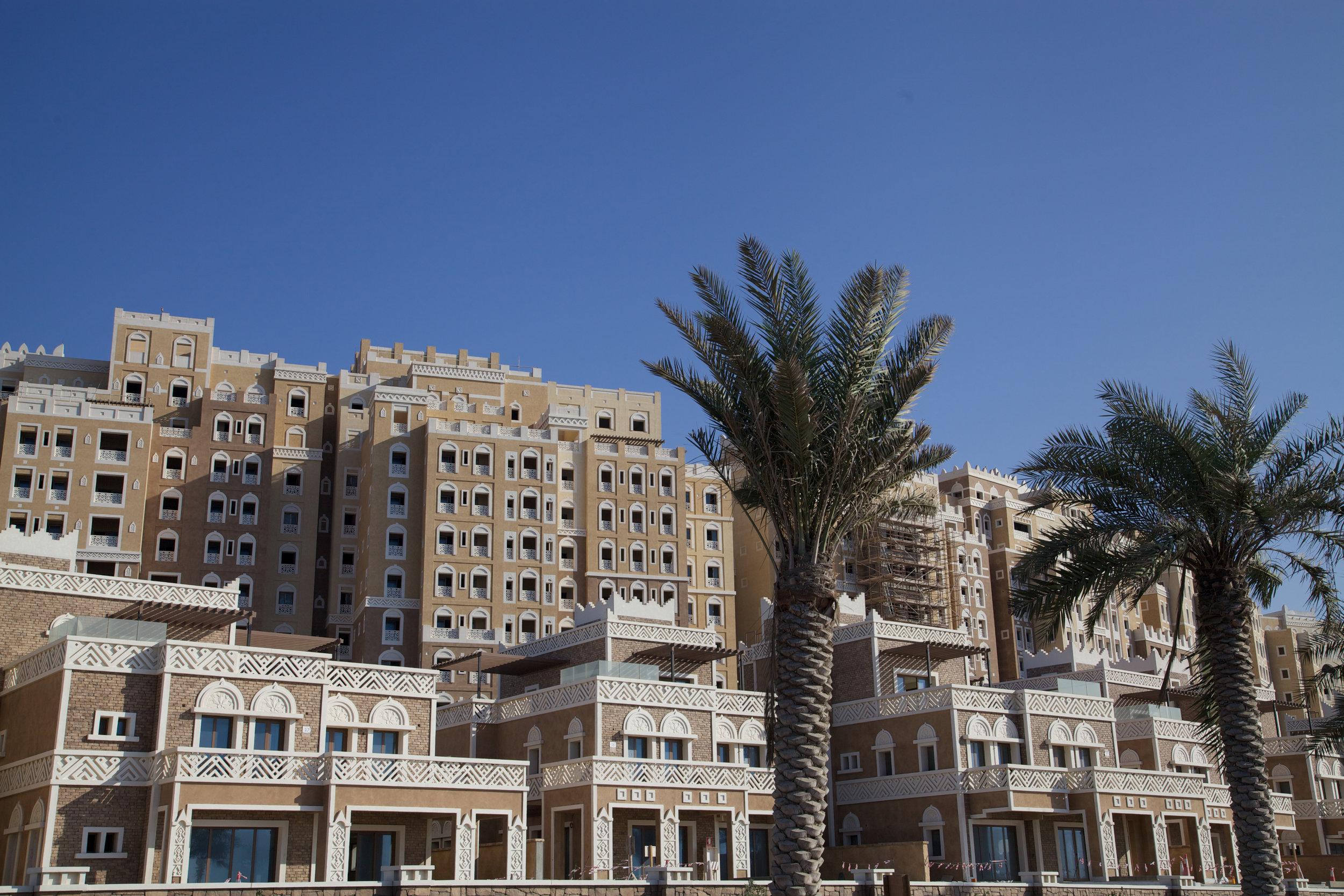 仿阿拉伯伊斯兰建筑风格的现代公寓酒店