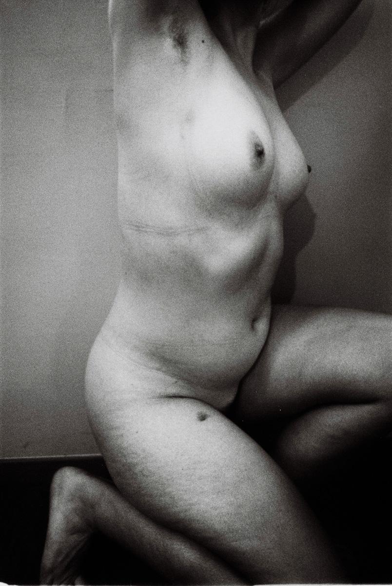 Olivia Mròz _ Photography _ Hidden Places Photobook _0003.jpg