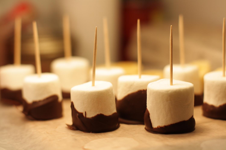 B16_Dec06_Chocolate_Marshmallows.jpg