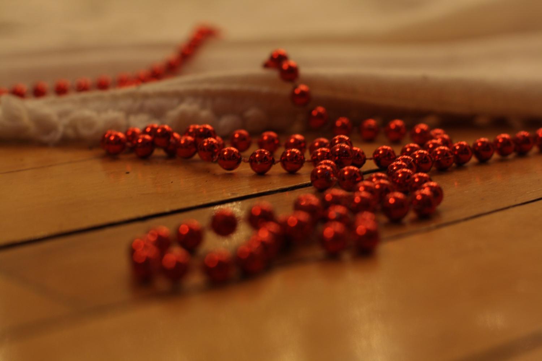 B16_Dec07_Christmas_Tree_Garland.jpg
