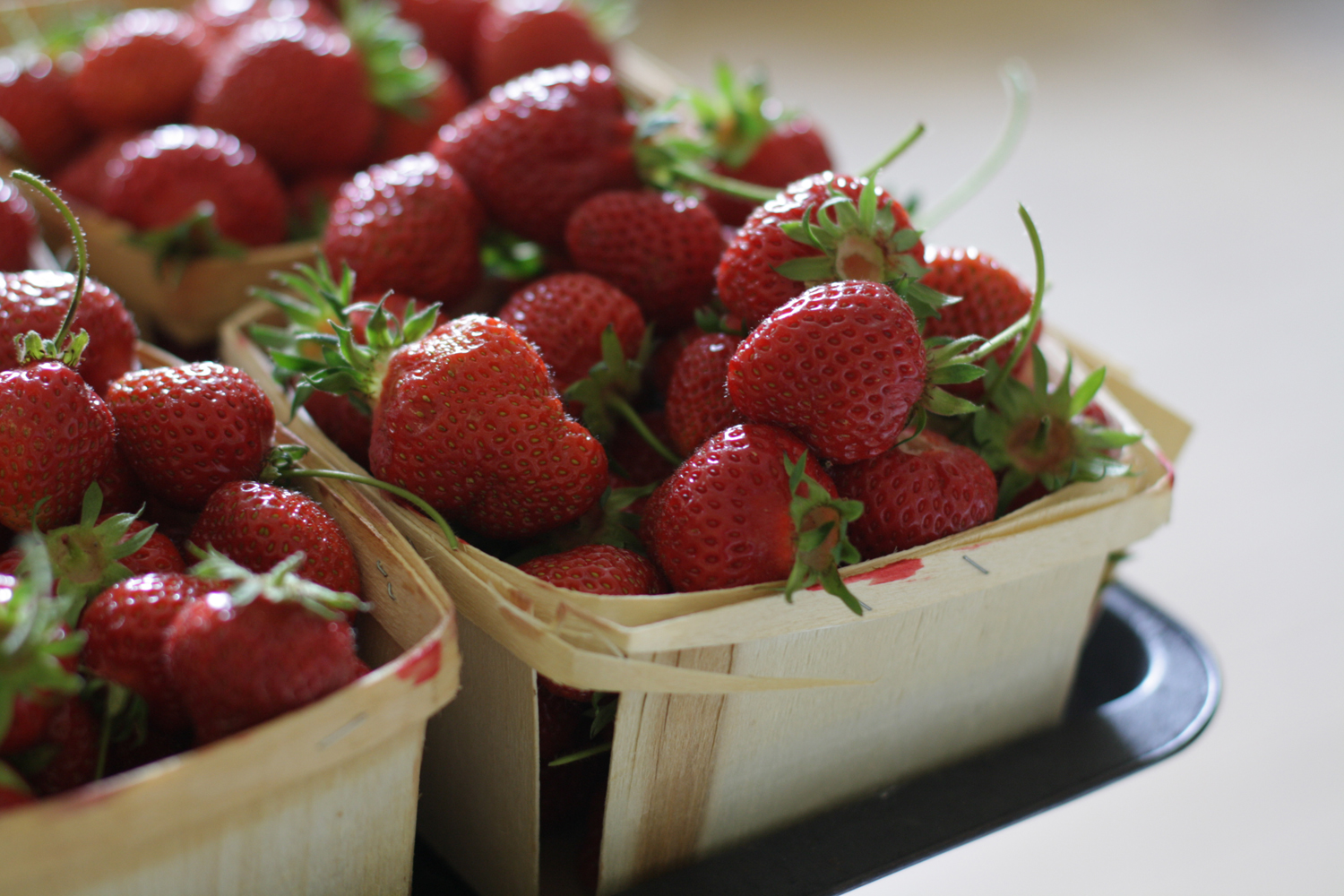 B16_Jul01_Strawberries_01.jpg