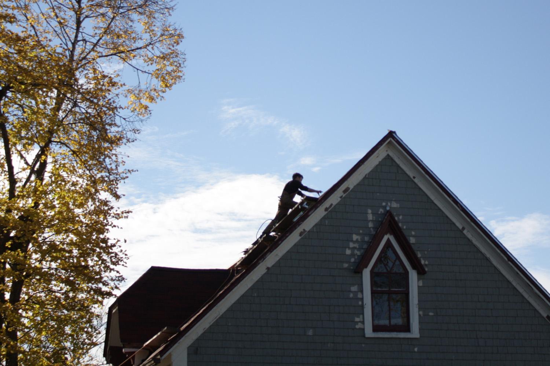 B15_Nov04_Brad_on_the_Roof_02.jpg