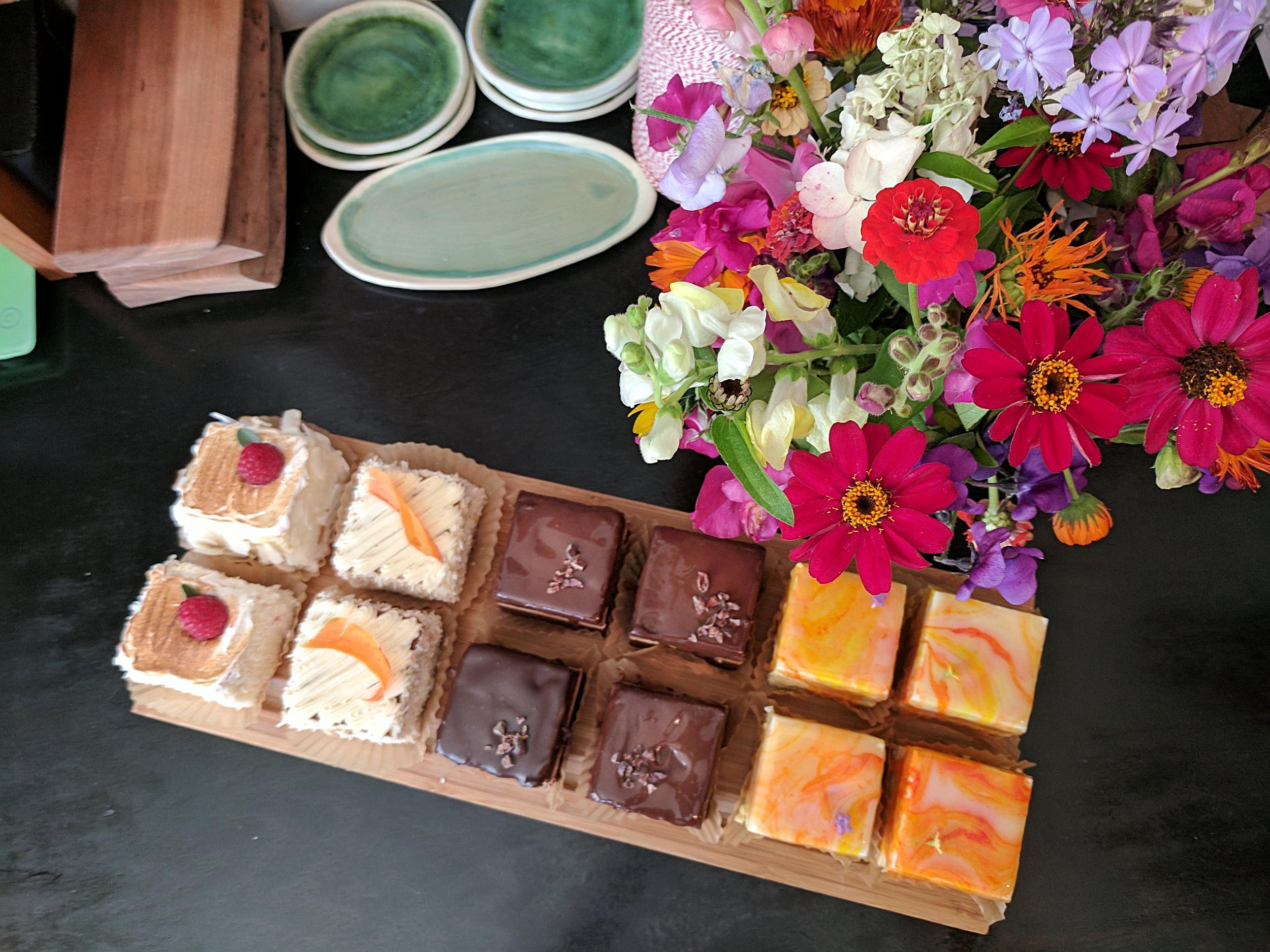 Gateaux (angel food, carrot cake, midnight/chocolate, sunrise/passionfruit)