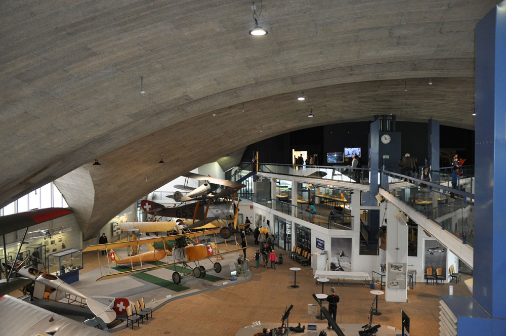 historischer flugplatz (5).jpg