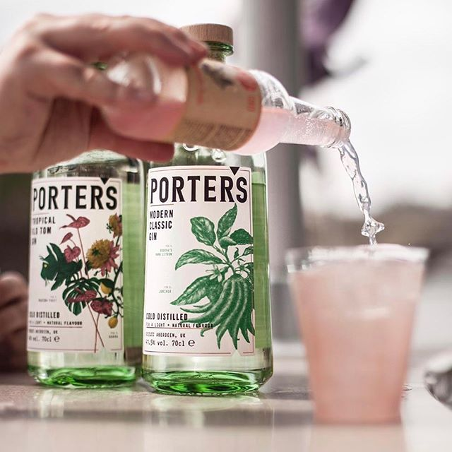Cocktails and cruising! Throwback to the Porter's Little Boat Ride with @littlereddoorparis  Mixing up drinks such as the Porter's modern classic, Baldoria Bianco & Three Cents Grapefruit soda 📸 @taken_by_tom  #portersgin  #throwback #cocktails #littleboatride #littlereddoor