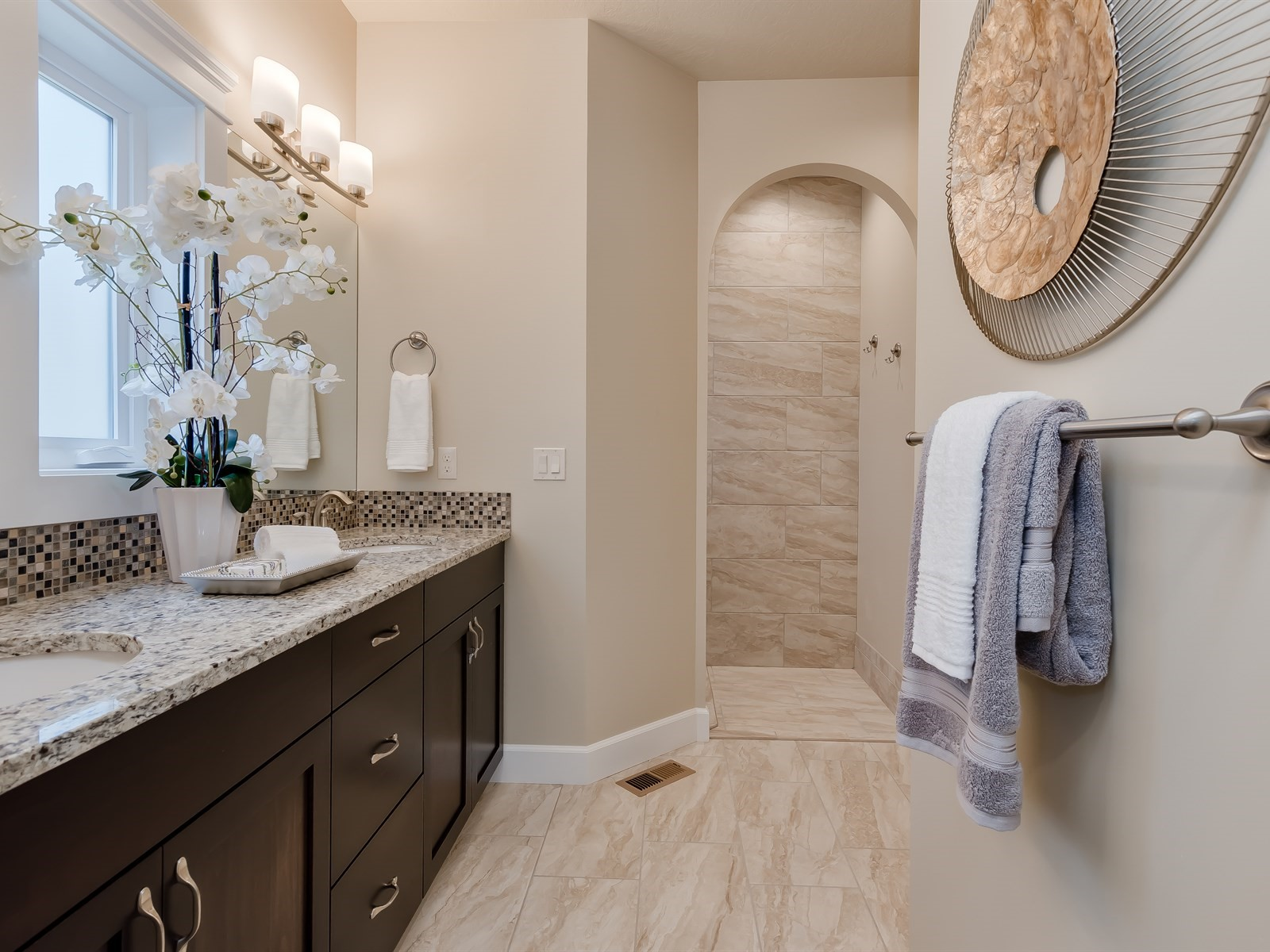 032_Master Bathroom.jpg